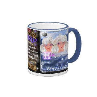 Borde azul del cambio de signo del zodiaco de los  taza a dos colores
