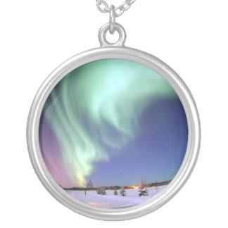Borealis Alaska de la aurora del collar