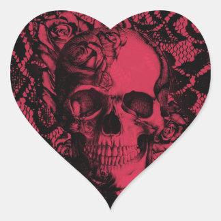 Borgoña y cráneo negro del cordón pegatina en forma de corazón