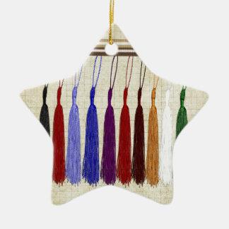 Borlas coloridas en una cinta, graduación 2016 adorno navideño de cerámica en forma de estrella