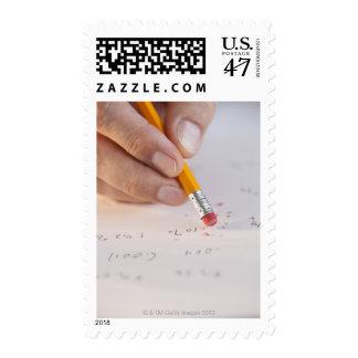 Borradura de números incorrectos sello postal