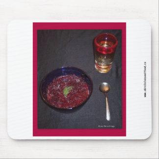 Borshch y vodka ucranianos de la comida del alma alfombrilla de raton