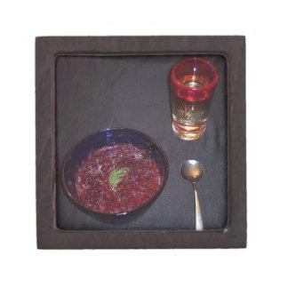 Borshch y vodka ucranianos de la comida del alma caja de joyas de calidad