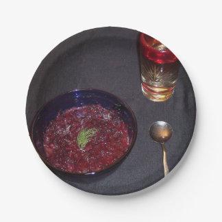Borshch y vodka ucranianos de la comida del alma plato de papel de 7 pulgadas