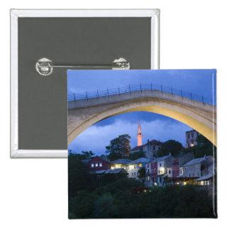 Bosnia y Hercegovina - Mostar. El puente viejo 2 Pin Cuadrado