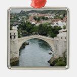 Bosnia y Hercegovina - Mostar. El puente viejo Adorno Navideño Cuadrado De Metal
