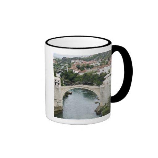 Bosnia y Hercegovina - Mostar. El puente viejo Tazas De Café