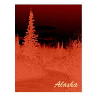 Bosque de Alaska de la imagen negativa en la gama Tarjeta Postal