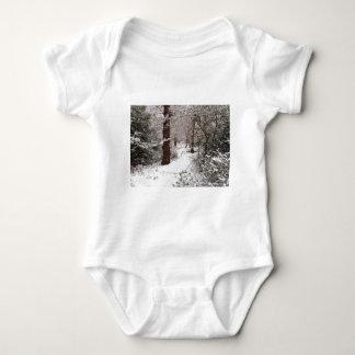 Bosque de Epping en la nieve Body Para Bebé