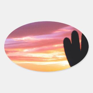 Bosque de Tonto del Saguaro de la puesta del sol Pegatina Ovalada