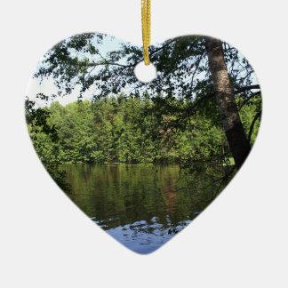 Bosque del lago Ecclesiastes de la estación en Adorno Navideño De Cerámica En Forma De Corazón