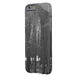 Bosque en el parque de Sholom en blanco y negro Funda De iPhone 6 Barely There