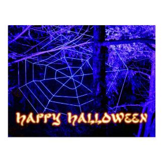 Bosque fantasmagórico de Halloween Tarjetas Postales