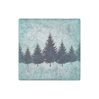 Bosque imperecedero rústico apenado de los árboles imán de piedra