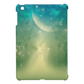 Bosque místico con la nebulosa y la luna