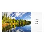 Bosque que refleja en el lago tarjetas fotográficas personalizadas