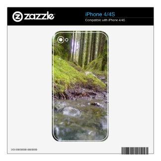 Bosque y agua iPhone 4S skin