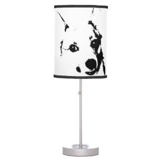 Bosquejo blanco y negro de la tinta del perro del  lámpara de escritorio