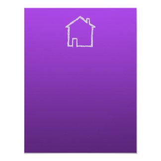 """Bosquejo de la casa. Gris y púrpura Invitación 4.25"""" X 5.5"""""""