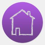 Bosquejo de la casa. Gris y púrpura Pegatina Redonda