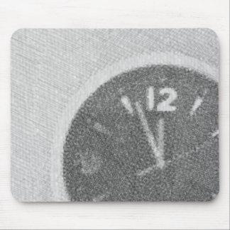Bosquejo de la lona del reloj de pared en Mousepad Alfombrillas De Ratón