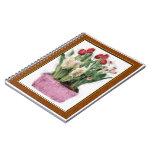 Bosquejo de tulipanes rojos y de jacintos blancos  cuaderno