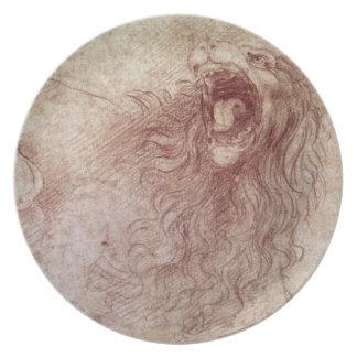Bosquejo de un león del rugido (tiza roja en el pa plato para fiesta