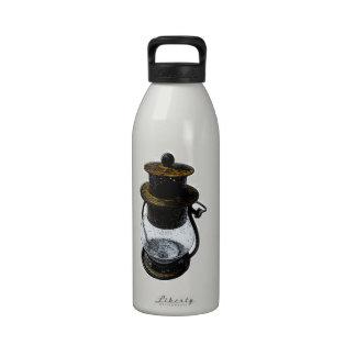 Bosquejo del dibujo de la linterna de huracán del  botellas de beber