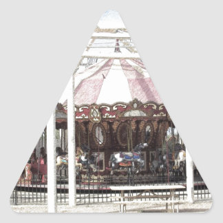Bosquejo del lápiz del color del carrusel antiguo pegatina triangular