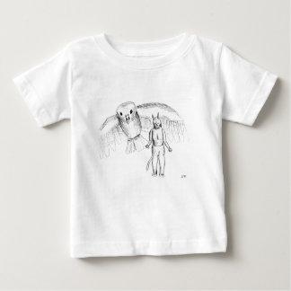 Bosquejo, dibujo del horror del pájaro de vuelo camisas