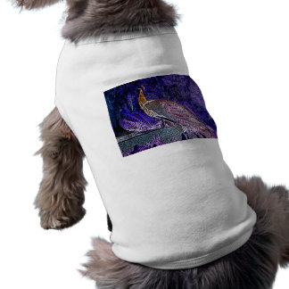 bosquejo púrpura del pavo real invertido camiseta de perrito