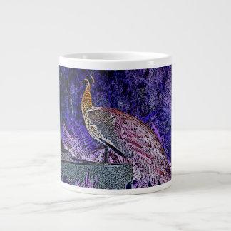 bosquejo púrpura del pavo real invertido taza grande