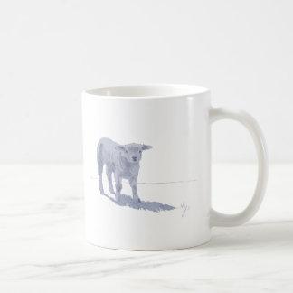 Bosquejo recién nacido del lápiz del cordero taza de café