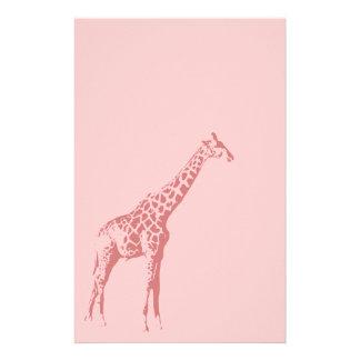 Bosquejo rosado de la jirafa  papeleria de diseño