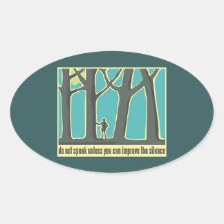 Bosques, árboles, emigrando calcomania óval