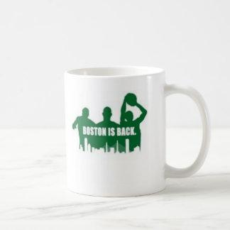 Boston está detrás tazas de café