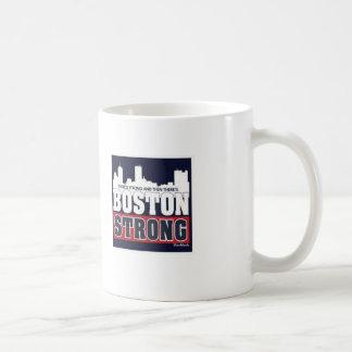 Boston, fuerte, bombardeando, el 15 de abril taza clásica