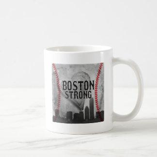 Boston fuerte por la joyería y los diseños de taza