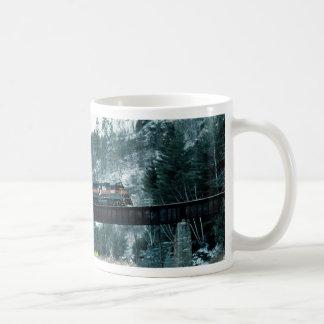 Boston & Maine EMD #305, Bath, New Hampshire, U.S. Mug
