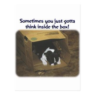 Boston Terrier:  Piense dentro de la caja Tarjetas Postales