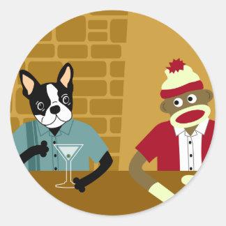 Boston Terrier y mono del calcetín Pegatina Redonda