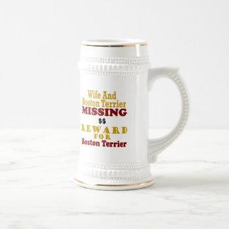 Boston Terrier y recompensa que falta de la esposa Jarra De Cerveza