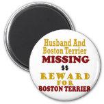 Boston Terrier y recompensa que falta del marido p Iman De Frigorífico