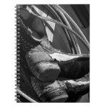Botas de vaquero y lazos libros de apuntes con espiral