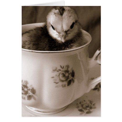 Botas en una taza de té, el día de madre tarjetón