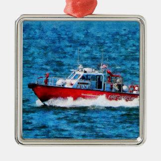 Bote de salvamento del fuego adorno navideño cuadrado de metal