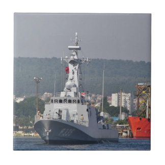 Bote patrulla turco azulejo cuadrado pequeño