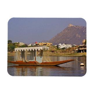 Bote pequeño, lago Pichola, Udaipur, la India Rectangle Magnet