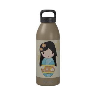 Botella de agua azul del kimono