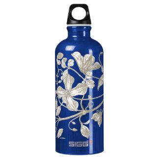 Botella de agua botánica de la vid floreciente,